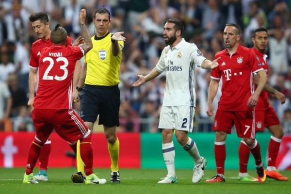 Foot - Real-Bayern - «Scandale», «vol», «farce», la presse européenne fustige l'arbitrage de Real Madrid-Bayern Munich