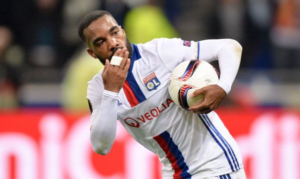Football - Ligue 1 - C'est officiel, Lacazette va quitter Lyon