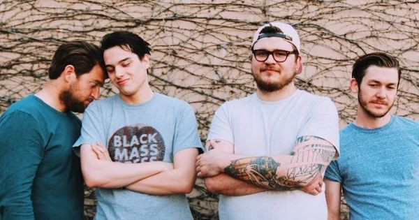 The Holy Bright : stream du titre Camus Kids Smoke Camels (feat. Joe Taylor de Knuckle Puck)