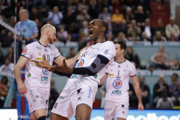 Volley - Ligue A (H) - Ligue A : Tours domine paris