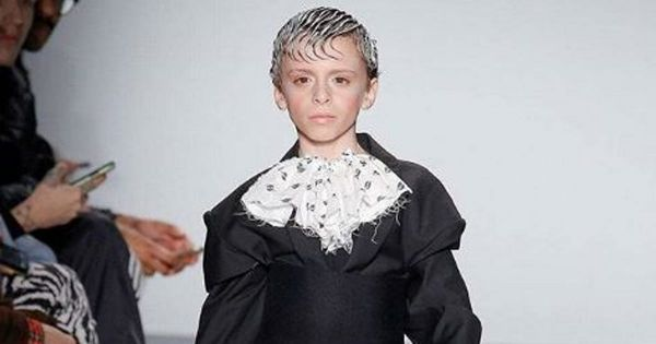 "Fashion Week de New York: Desmond Napoles, ""drag kid"" de 10 ans, a éclipsé tout le monde sur le podium"