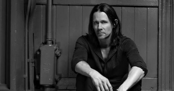 Myles Kennedy : le titre Year Of The Tiger en live acoustique pour HardDrive Radio