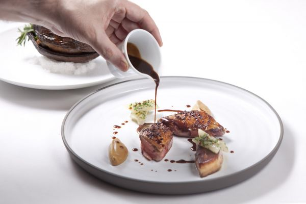 En images – Quelques plats du Caprice, table doublement étoilée du Four Seasons Hong Kong