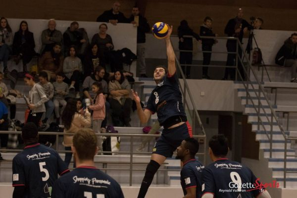 VOLLEY-BALL : Revivez en photos le match de l'AMVB