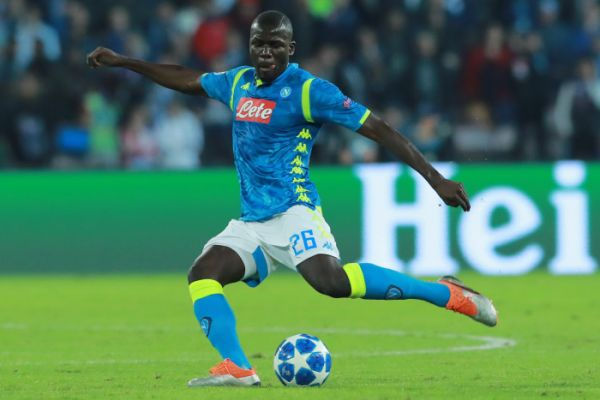 Real Madrid : Koulibaly, une vraie piste pour remplacer Varane