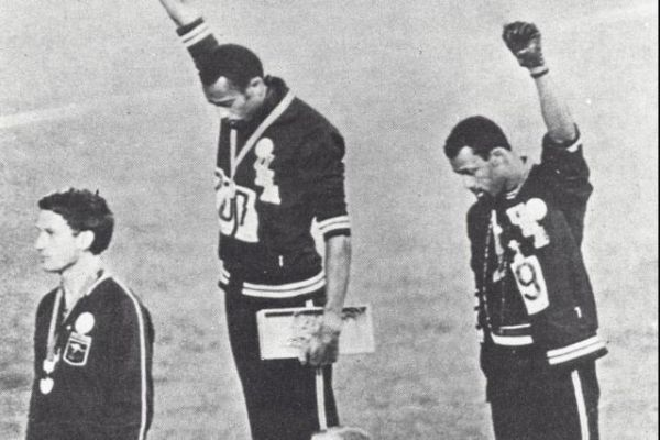 Athlé - JO - Peter Norman, soutien des Black Power aux JO 68, a sa statue