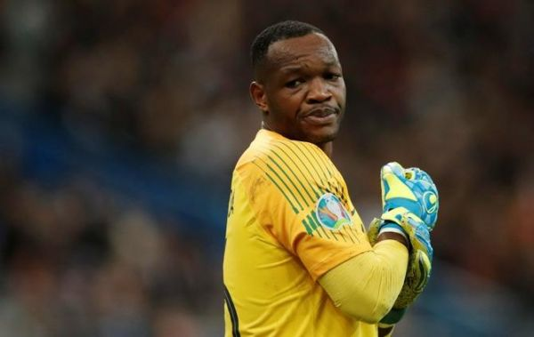 Mandanda s'incline devant Lloris