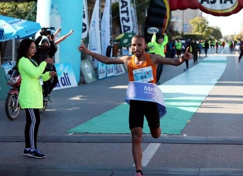 Jawad Kallouz bat le record du marathon international de Fès