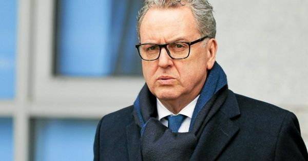 Richard Ferrand : « Non, on ne coule pas. On se bat ! »