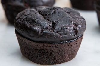 These Dark Chocolate Banana Bread Muffins Are The Healthier Alternative You've Been Looking For