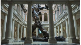 Votre photo du jour : « Demon with Bowl » de Damien Hirst au Palazzo Grassi de Venise
