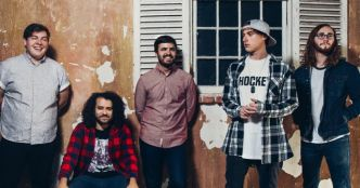 State Champs : version acoustique studio du titre Secrets