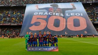 Le Camp Nou honore Messi après son 500e but