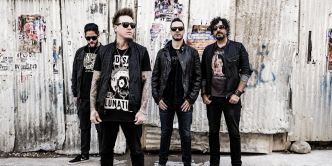 Papa Roach présente son nouvel album, «Crooked Teeth» (ENTREVUE)