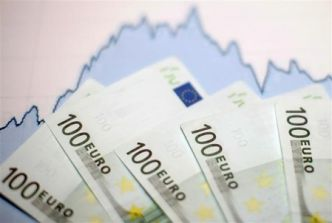 L'euro recule face à un dollar aidé par l'anticipation d'actions de la Fed