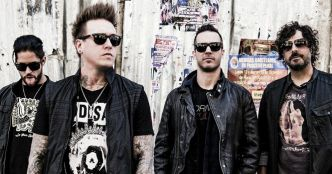 Papa Roach : Born For Greatness (feat. l'orchestre Olentangy Orange) (clip live officiel)