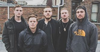 Wage War : vidéo playthrough de guitare pour le titre Don't Let Me Fade Away