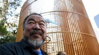 Cage dorée sous Trump Tower : Ai Weiwei honore New York, fief pro-migrant