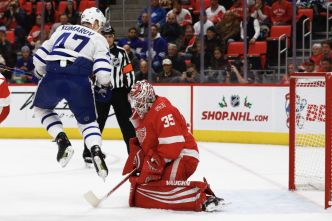 Les Red Wings battent les Maple Leafs 3-1