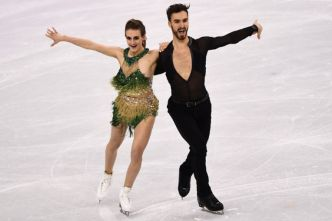 JO-2018/Patinage - Sa robe se détache, mais Papadakis et Cizeron s'accrochent