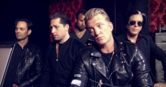 Queens Of The Stone Age : Head Like A Haunted House (clip officiel)
