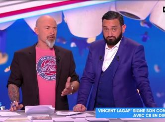 TPMP : grosse émotion de Vincent Lagaf', qui signe son contrat en direct avec Cyril Hanouna !