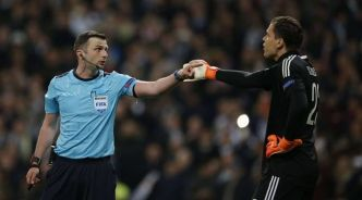 VIDEO. Real Madrid-Juventus: L'arbitre Michael Oliver placé sous protection policière