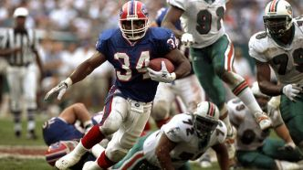 Le 34 de Thurman Thomas retiré à Buffalo