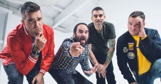 New Found Glory : Call Me Anti-Social (clip officiel)