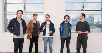 Rolling Blackouts Coastal Fever : Talking Straight (clip officiel)