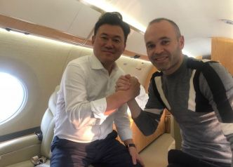 Football - Iniesta se pose au Japon pour 25 millions nets par an