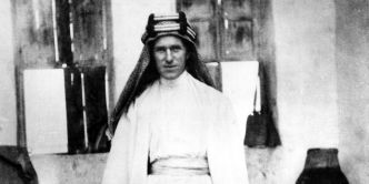 T. E. Lawrence raconté par Jean Rolin : Lawrence à bicyclette
