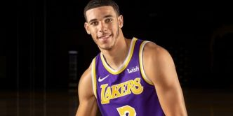 Magic Johnson fan du nouveau shoot de Lonzo Ball : « Il est prêt à faire une saison de l'explosion »
