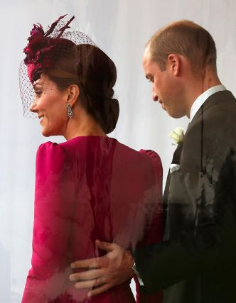 Kate Middleton : main sur la cuisse du prince William, un couple très tactile au mariage de la princesse Eugenie
