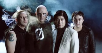 The Smashing Pumpkins : Silvery Sometimes (Ghosts) (clip officiel)
