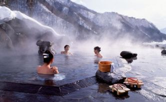 Tourisme thermal : dans le grand bain au Japon