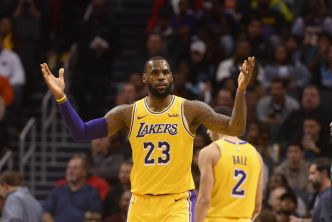 Basket - NBA - Les Lakers portés par James et Ball, les Celtics plombés par les Pistons