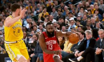 NBA Top Crossovers de la semaine : quand James Harden s'amuse avec les Splash Brothers