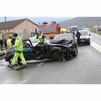 Vesoul  : accident grave au rond-point du Lac