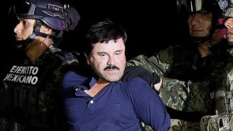 "Le baron de la drogue ""El Chapo"" Guzman reconnu coupable aux USA"