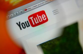 Fact Checking : YouTube propose une nouvelle solution contre la désinformation