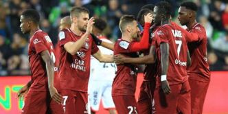 Ligue 2 : le FC Metz sacré champion, le Red Star descend en National
