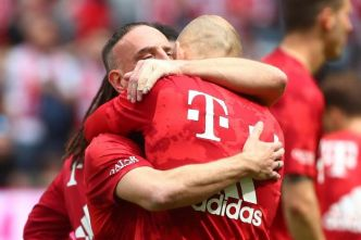 Foot - ALL - Bayern Munich : le duo Robben-Ribéry honoré avant le match contre Francfort