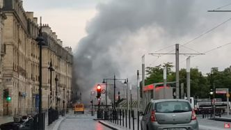 Bordeaux : un violent incendie ravage un parking sous-terrain en plein centre-ville