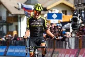 Chaves s'impose, Carapaz reste leader