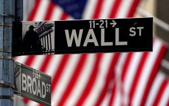 Wall Street soutenue par le commerce, attend la Fed et les résultats
