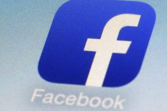 Facebook teste le mode sombre sur son application