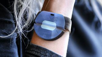 Actualité : EVE, le bracelet anti-agression français candidat au James Dyson Award