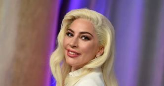 "Lady Gaga supprime son duo avec R. Kelly de son album ""Artpop"""