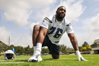 Chargers : Russell Okung annonce son retour